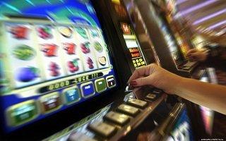 играть бесплатно в автоматы адмиралы без регистраций и смс дельфины