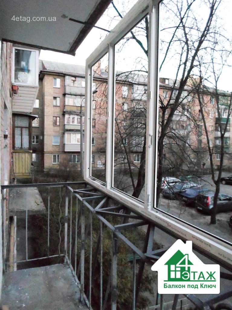 """Застеклить балкон с выносом - способы, цены, преимущества """" ."""