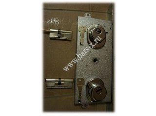 установка замков на металлическую дверь мастер